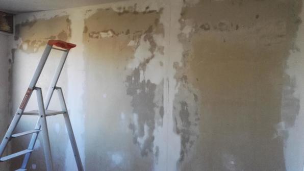 4 murs d 39 une chambre enduire retouches plafond les ulis 91940 essonne d tail et devis. Black Bedroom Furniture Sets. Home Design Ideas